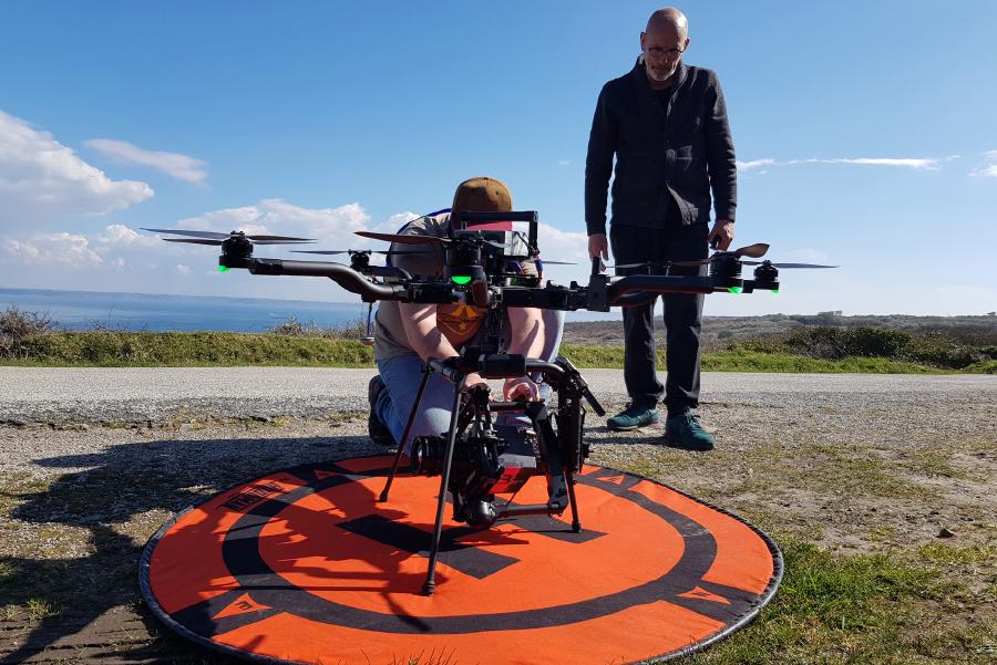 Drone ALTA 8 en vol